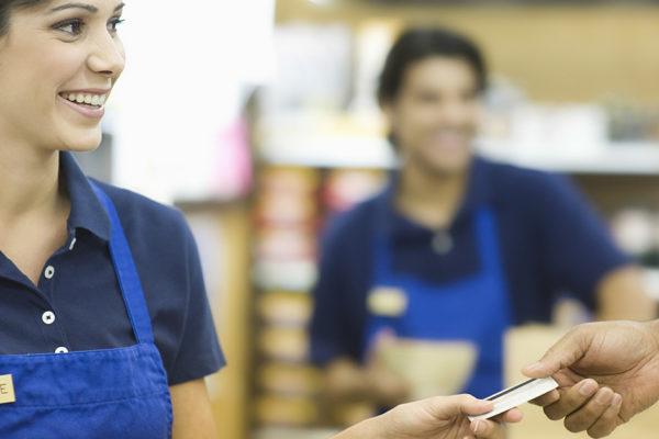 Stationärer Einzelhandel vs. Online Handel